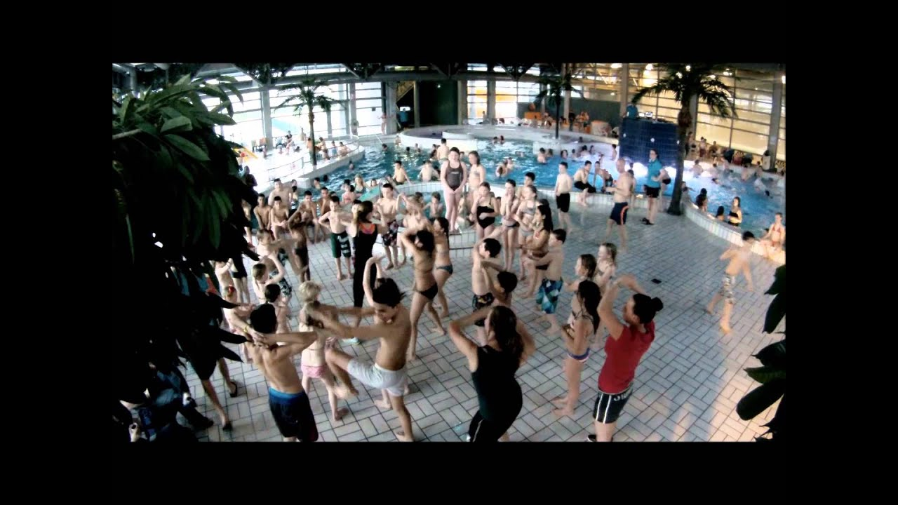 Discozwemmen zwembad de vallei youtube