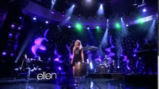 Ellie Goulding performs 'Lights' on The Ellen Show