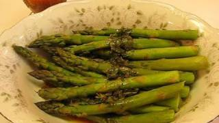 Betty's Savory Steamed Asparagus With Lemon Dressing