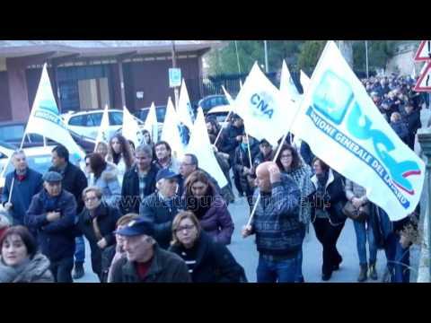 Augusta . Manifestazione provinciale a difesa del porto
