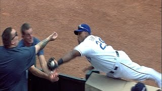 Beltre fights the fans for the baseball