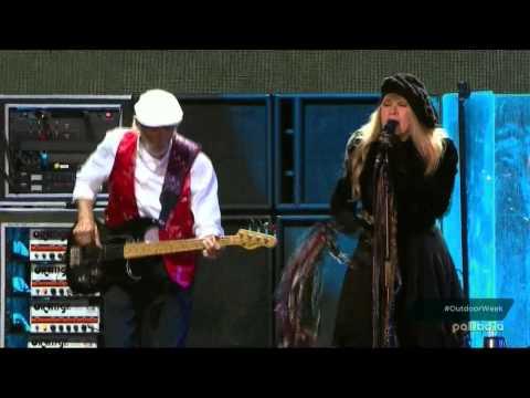 Fleetwood Mac - Go Your Own Way (live 2015)