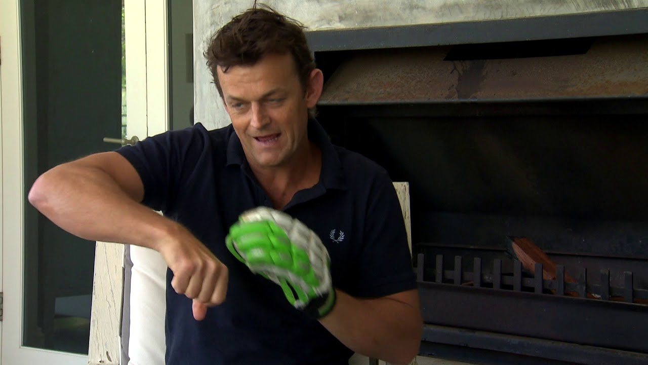 Quick Singles - Adam Gilchrist and the squash ball in the glove