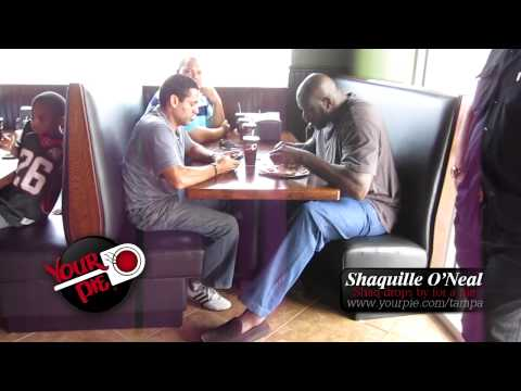 Shaquille O'Neal makes a visit to Your Pie Tampa!
