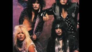 Mötley Crüe- Dancing On Glass