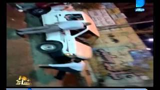 بالفيديو.. مدير محل شهير ينام أسفل سيارة الطب البيطرى لعدم مصادرة لحوم فاسدة