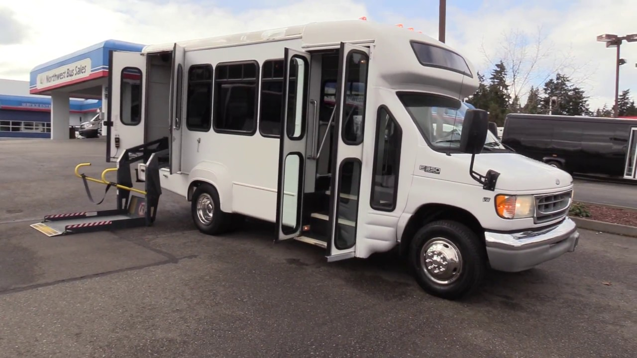hight resolution of 2002 ford starcraft 8 passenger ada shuttle bus s50172