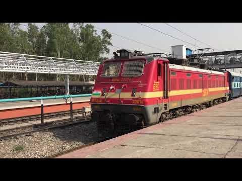 22925 Bandra(T) - Kalka Paschim Express Link departing from Chandigarh railway station