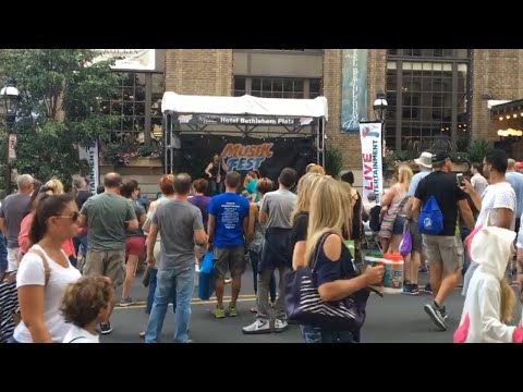 Time-lapse captures thousands of people seen going through Musikfest on Aug 5, 2017