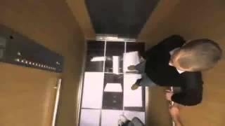 Прикол В Лифте с Празарачным полом очень хочется в нем побывать!