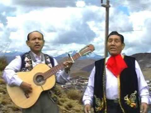 CERRO DE PASCO  -  ESTAMPAS ANDINAS DE MILPO (Dos besos)