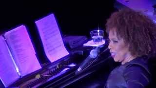 Roberta Flack - April 23, 2015 - Clearwater, FL - Love Me in a Special Way + Band Intro