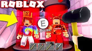 SAVE THE YOUTUBERS FROM THE BEAST! (ROBLOX FLEE THE FACILITY)