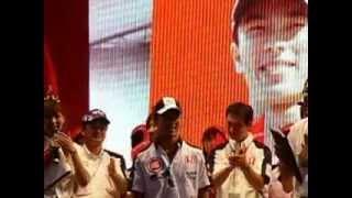 悔しい2005年F1母国グランプリも、レース後のトークショーでは、ポジテ...