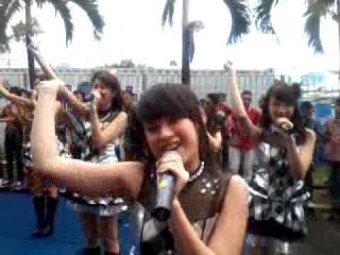 JKT48 - Oogoe Diamond Live Perfomance at DAHSYAT WEEKEND 230213