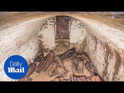 Two centuries-old vaults found near Washington Square Park - Daily Mail