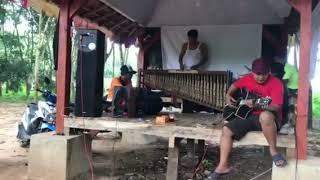 """Fatwa Pujangga"" versi angklung Forgotten Family"