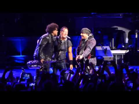 Bruce Springsteen & the E-Street Band - Sherry Darling - Dallas - April 5, 2016