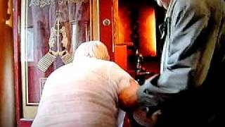 mo farts on eastenders-(dirty cow)