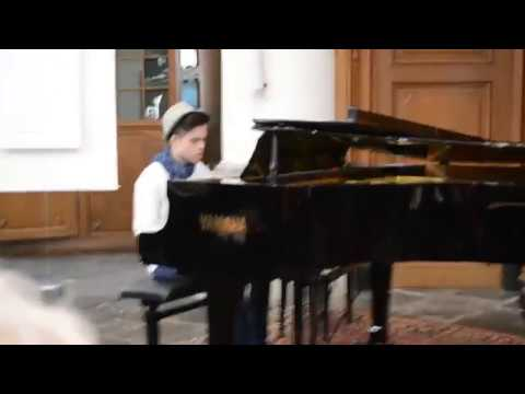 Piano live: Yann Tiersen - Comptine d`un autre ete (shortened version)