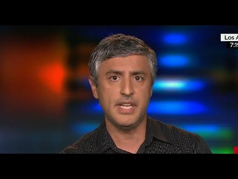 """Reza Aslan Blames Charlie Hebdo Massacre on France's """"Inability to Tolerate Multiculturalism"""""""