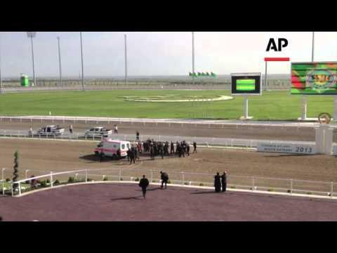 Turkmenistan president falls from horse in race - 2013