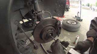 Renault Modus : Comment changer le cardan droit