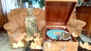 Gramophone Electra;to be continued (Les feuilles mortes)