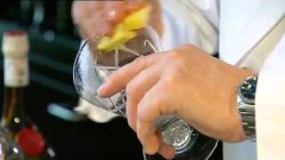 The Art of Making Cocktails - The Paramaribo Park Club Gin Sling
