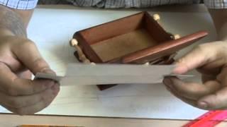 как установить шарниры на шкатулку и оклеить ее бархатом