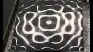 Cimatica - Basse frequenze creano forme geometriche - Come si creano i cerchi nel grano
