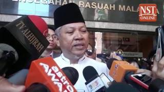 Annuar Musa leaves MACC after four hours of questioning