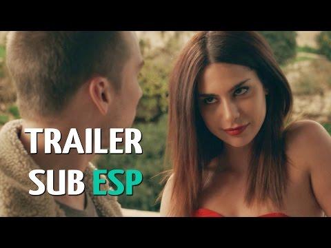Spring - Official Trailer #2 HD Subtitulado en Español (Lou Taylor Pucci)