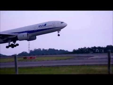 【okayama airport】 ANA B777  Take off