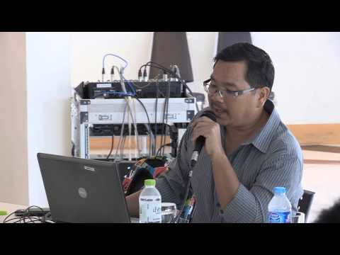 Literature: การวิจารณ์วรรณกรรม_จรูญพร ปรปักษ์ประลัย_ Bangkok Creative Writing Workshop 2 (2013)