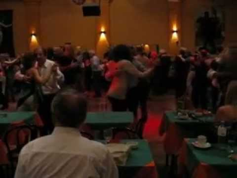 milonga a puro tango en salon canning youtube