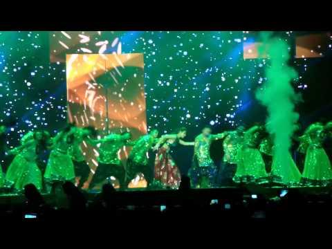 King Khan & Malaika Arora Go Chaya Chaya @O2 Slam London
