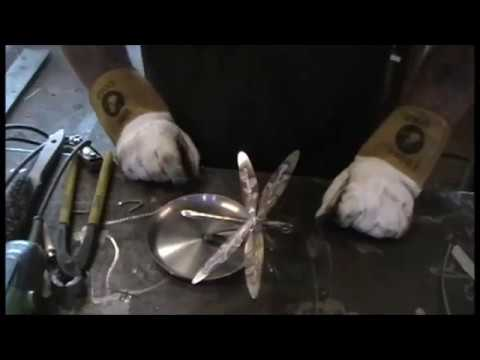 Scrap metal art dragon fly