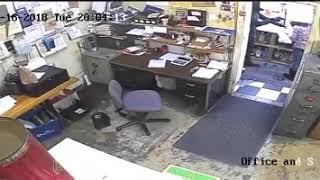 Police seek suspect in Cash's Crest LIquor Store robbery