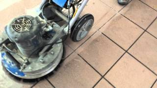 Waxie demo with the Windsor Karcher Taz