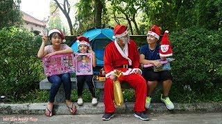 Trò Chơi Ông Già Noel Vui Tính Đi Tặng Quà Giáng Sinh Sớm Cho Các Em Nhỏ - MN Toys Family Vlogs
