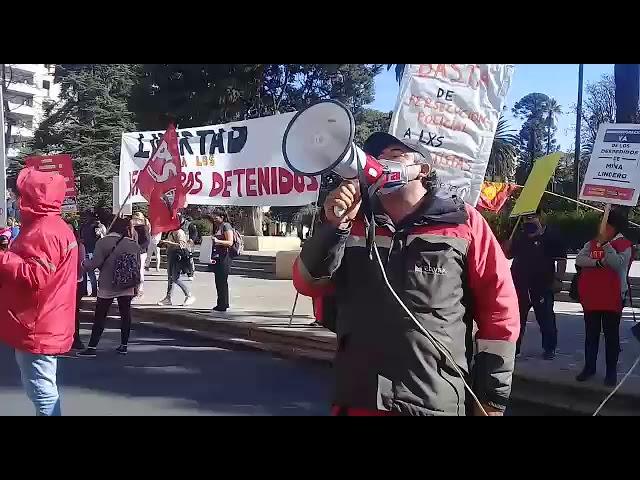 Mineros, remiseros y artistas protestan en Salta 003