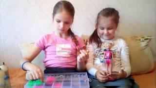 Видеоурок по плетению браслетов из резиночек.