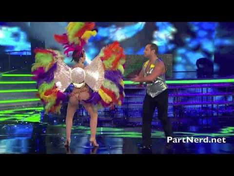 La caliente Licenciada Noelia Arias baila una samba casi topless [PartNerd HD]