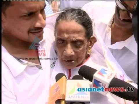 Kerala Election 2014 :Senior voter on polling booth കേരളം പോളിങ്ങ് ബൂത്തിലേയ്ക്ക്