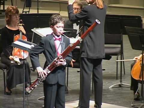 Vivaldi Bassoon Concerto played by James Perlman 12 yrs old