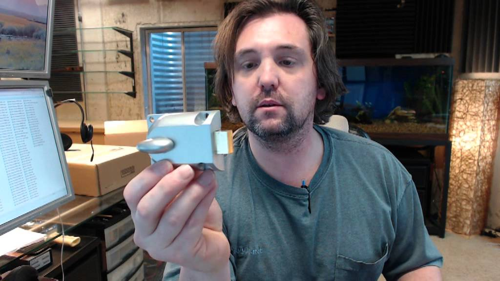 Ultra Hardware 44835 Garage Door Lock Youtube