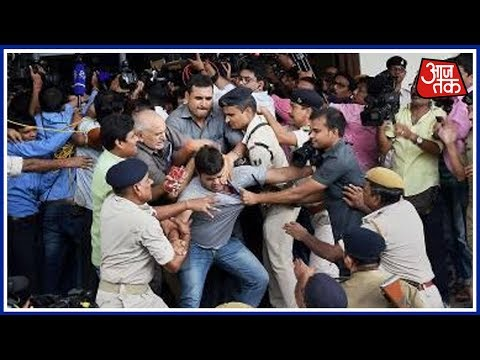 100 Shehar 100 Khabar: Tejaswi Yadav's Bodyguards Rough Up With Media Persons