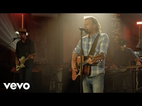 """Dierks Bentley Gives You A Taste Of Upcoming Tour With Live Performance Of """"Gone"""""""