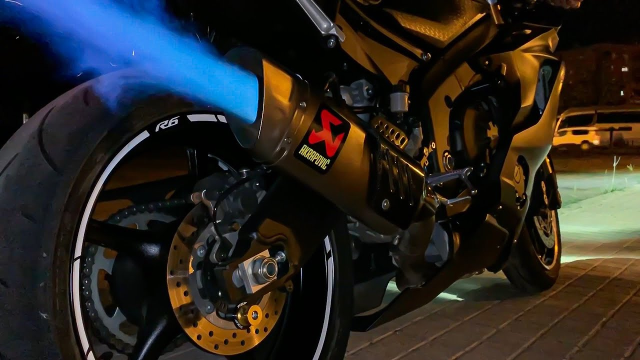 2019 yamaha r6 akrapovic full exhaust flames fly by and pure sound